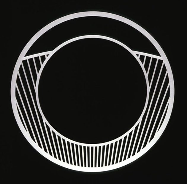 David Watkins, Torus 300 Arc Limit Neckpiece, halssieraad, 2003. Foto met dank aan The Scottish Gallery©