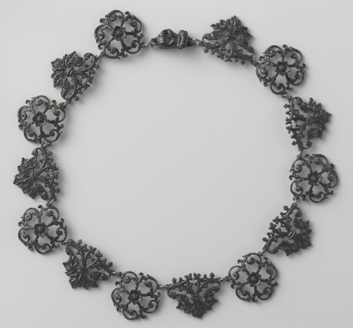 Halssieraad, circa 1835. Collectie Rijksmuseum, BK-1977-264, CC0