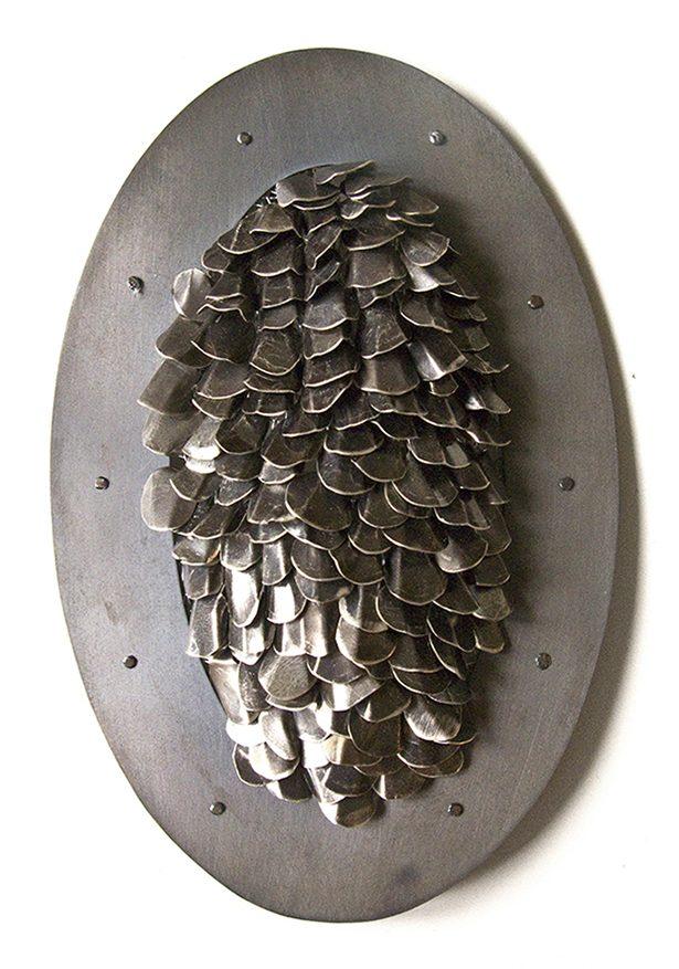 Karin Roy Andersson, The Fishnet, broche, 2012. Foto met dank aan Karin Roy Anderson©