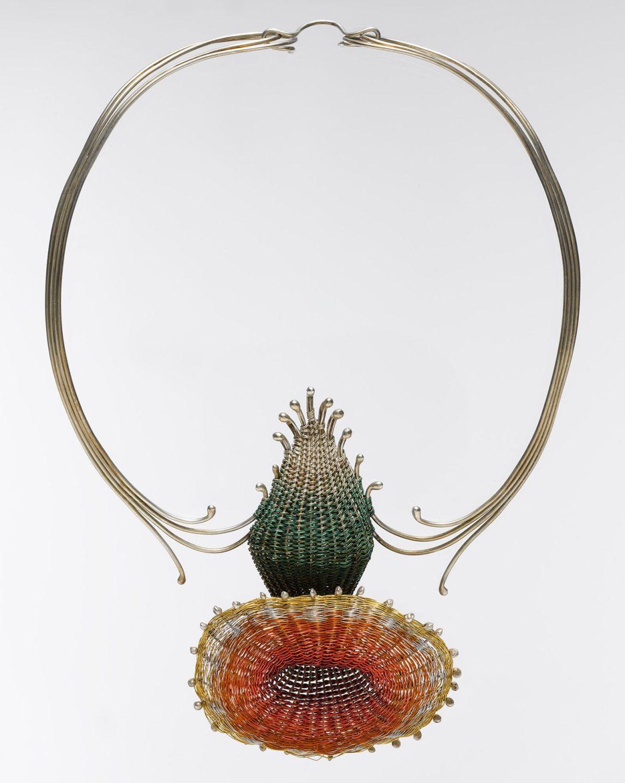 Mary Lee Hu, Choker #35, 1977. Collectie Metropolitan Museum of Art, 2007.384.23. Foto met dank aan Metropolitan Museum of Art©